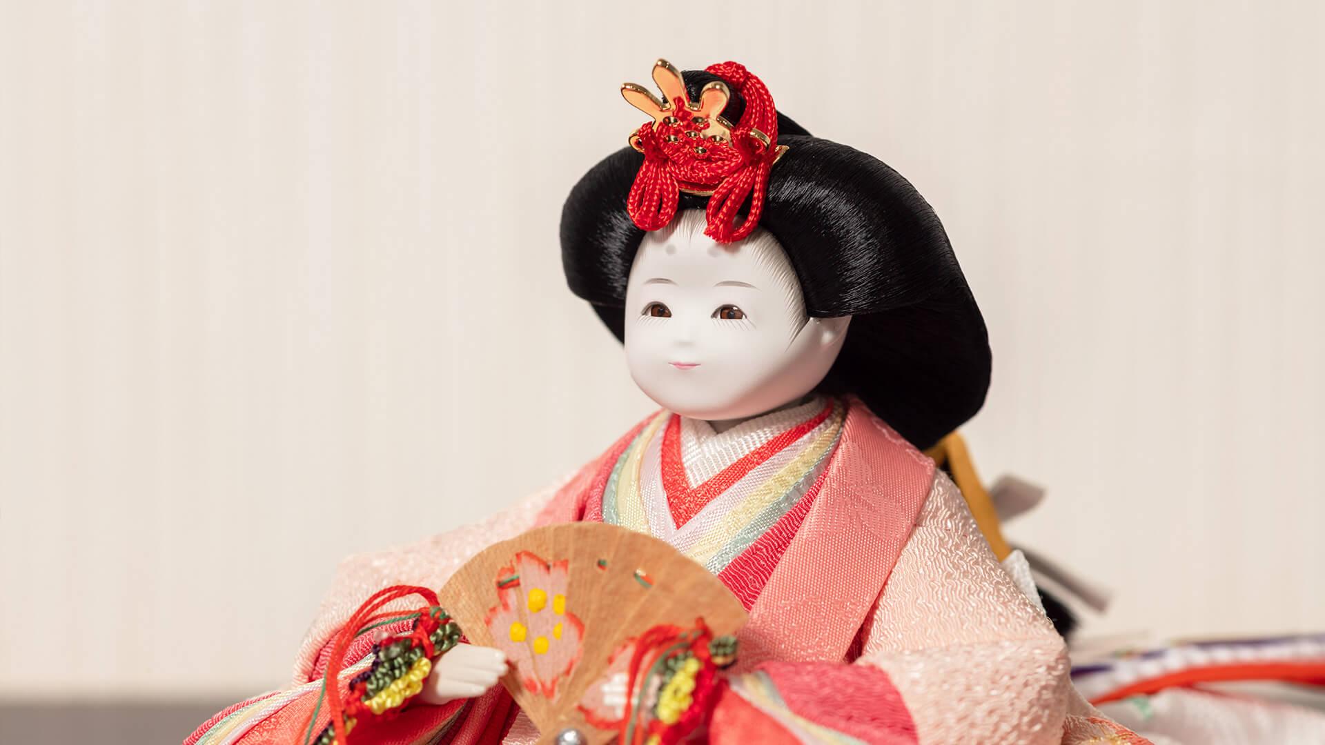 雛人形のふわりのコンパクトでかわいいお顔のUP